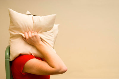 Enxaqueca: entenda os tipos e causas da dor de cabeça