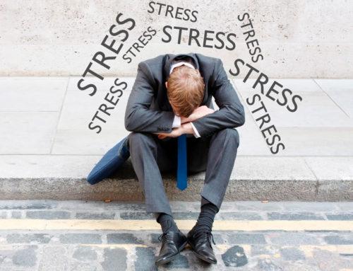 Dor de cabeça no trabalho: 4 fatores que podem estar provocando